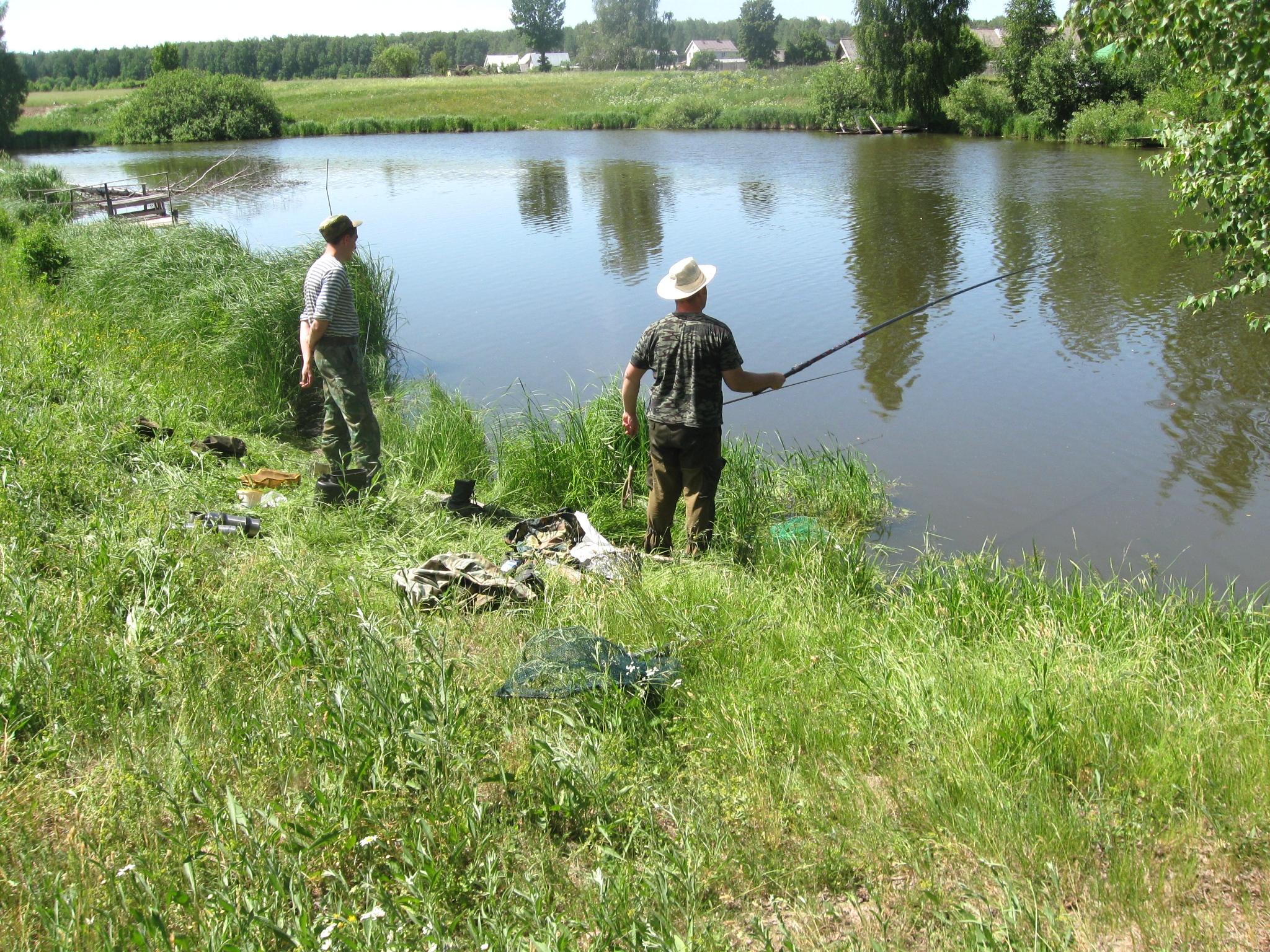 как ловить рыбу в речке на удочку в деревне
