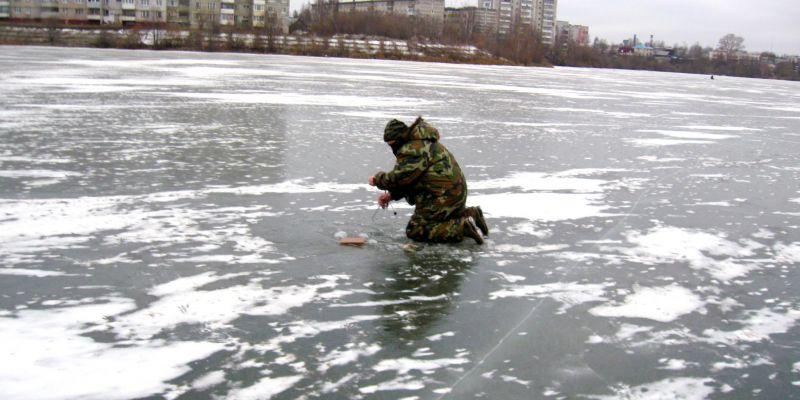 Вот и третий лед. Выход на проточное озеро-котлован.