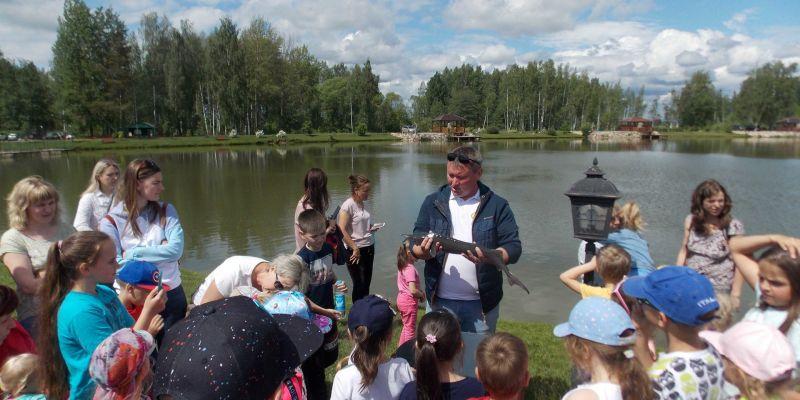 Счастливые дети - День защиты детей на рыбалке в Ихтиолог