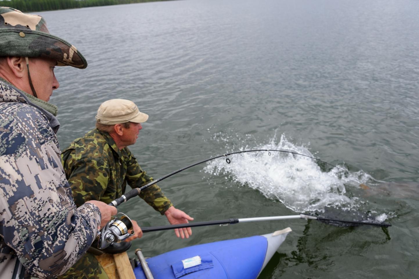 Так поймал Путин щуку или нет? Рыбалка Путина на щуку